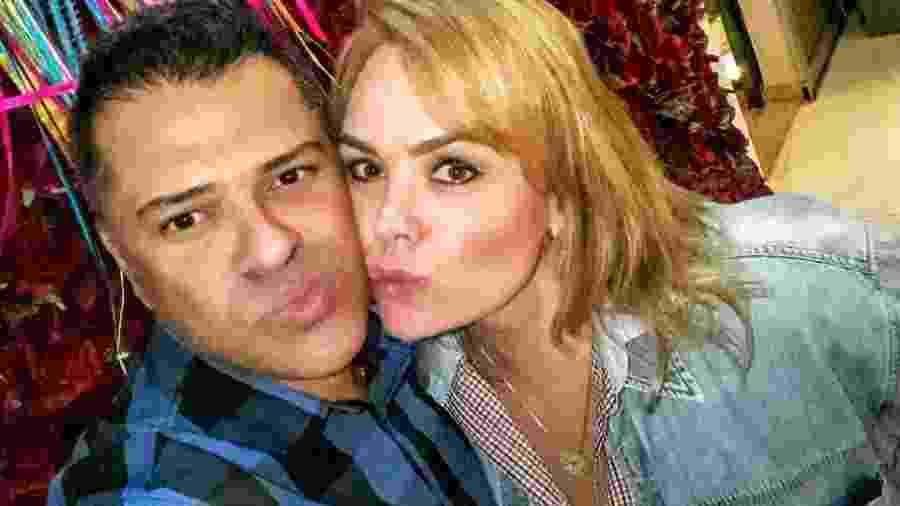 A ex-paquita Ana Paula Pituxita está namorando o advogado Fernando Melo - Divulgação