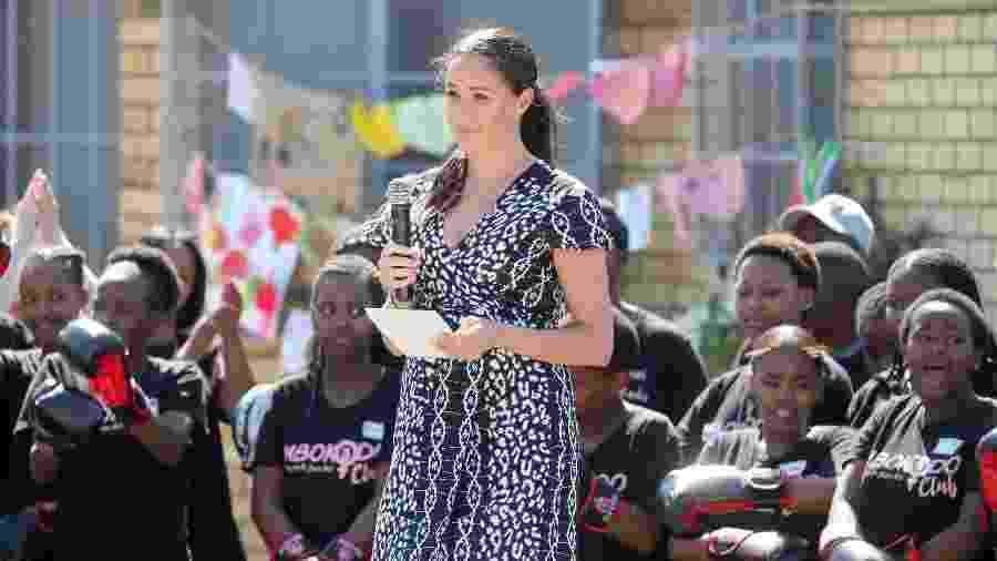 Meghan Markle durante discurso em Nyanga, durante turnê com o príncipe Harry pela África do Sul - Getty Images