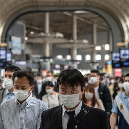 """Japão submete Tóquio a estado de """"quase emergência"""" de covid-19 - Getty Images"""