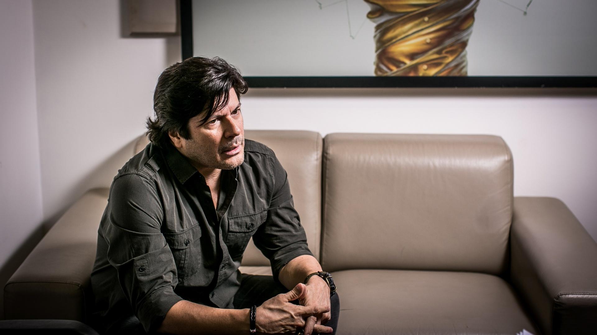 O cantor Paulo Ricardo lança seu novo disco, batizado apenas de