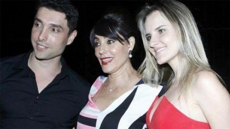 Christiane Torloni com o filho Leonardo Carvalho e a nora Keruse Bongiolo - Reprodução/Instagram