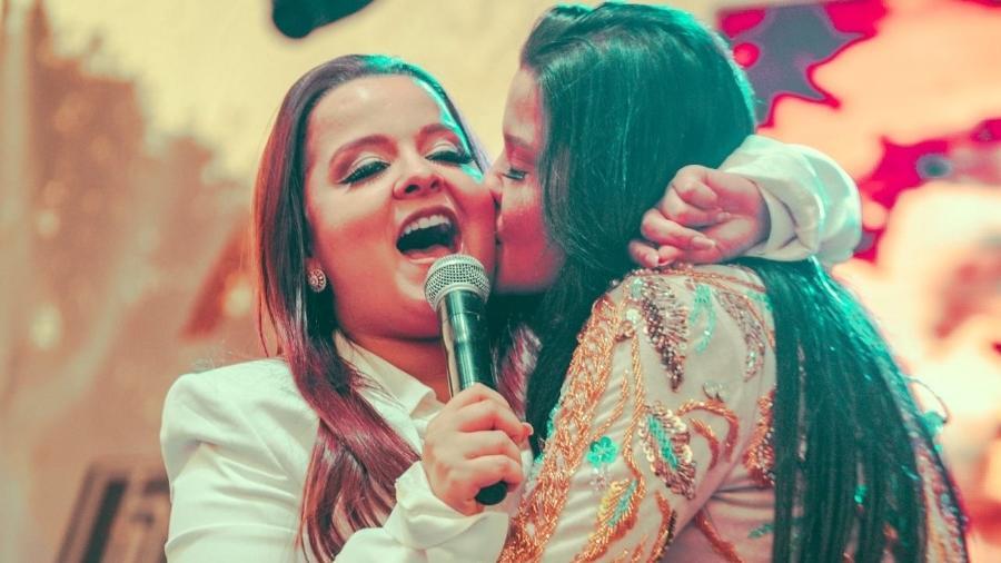 A dupla Maira e Maraisa durante show em Boston, nos Estados Unidos - Reprodução/Facebook