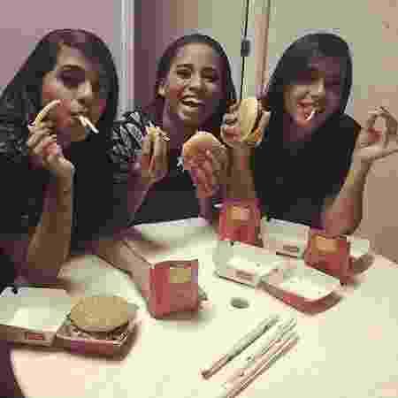 Em São Paulo, as amigas comeram no McDonald's e gravaram um clipe com o selo Kondzilla - Reprodução/Instagram - Reprodução/Instagram