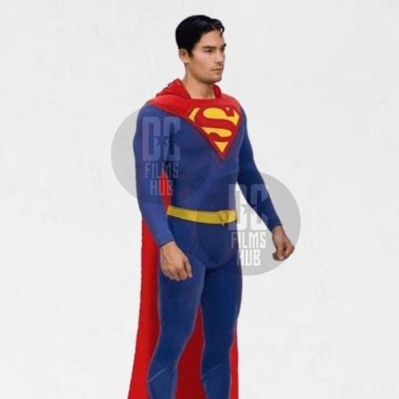 Este é o uniforme que DJ Cotrona usaria para interpretar Superman - Reprodução