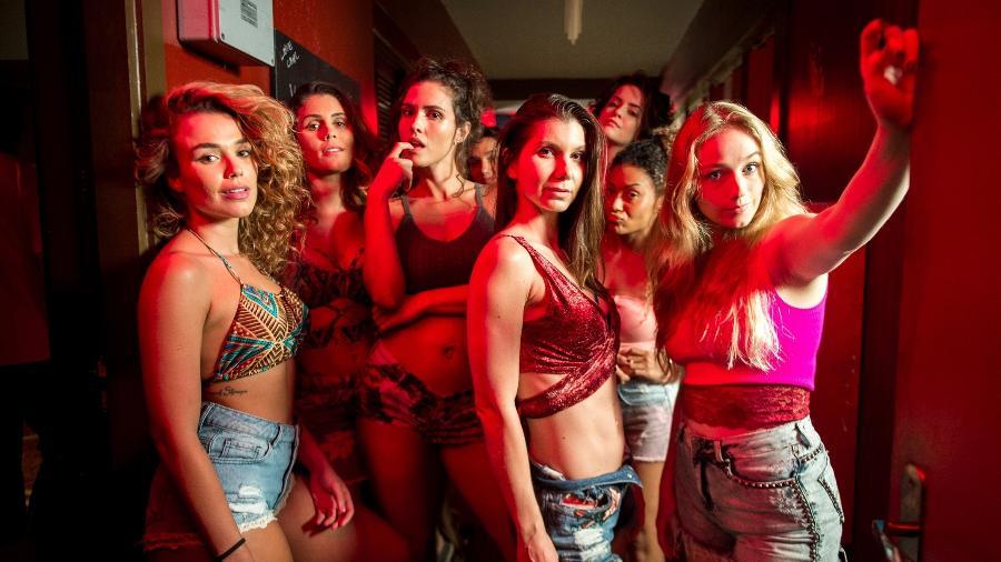 As meninas do bordel Maíra (Juliane Araújo), Vanessa ( Fernanda Nizzato), Desirée ( Priscila Assum) e Karina (Malu Rodrigues) na novela de Walcyr Carrasco - Raquel Cunha/TV Globo