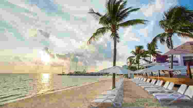 Na praia que fica em frente ao resort, turistas podem fazer topless - Divulgação/Temptation Cancún Resort - Divulgação/Temptation Cancún Resort