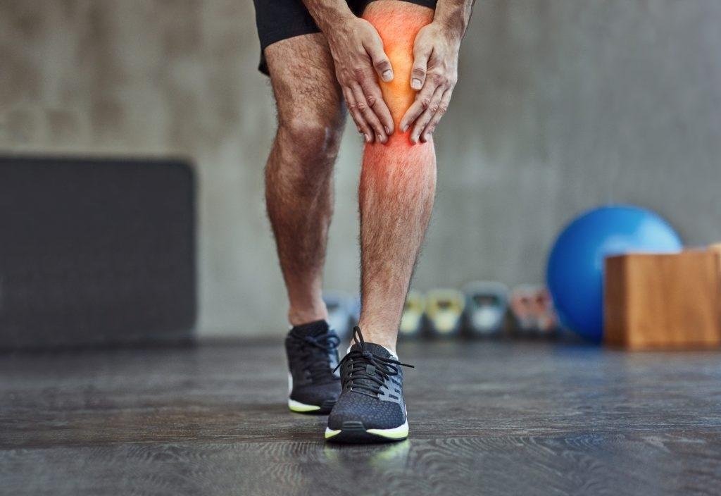 dor no joelho esquerdo e panturrilha