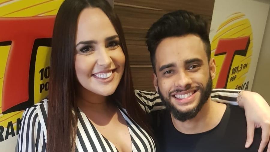 Perlla e o marido Cássio Castilhol - Guimarães Assessoria/ Divulgação