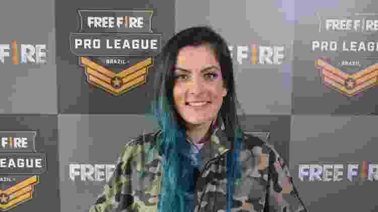 Uma Dani tem canal dedicado a jogar Free Fire - Samuca Hernandez/UOL