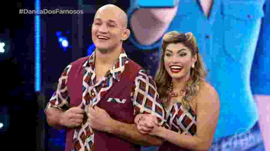 Junior Cigano e Ana Paula Guedes na etapa rock da Dança dos Famosos - Reprodução/TV Globo