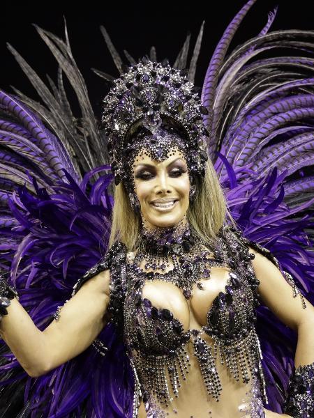 Camila Prins é a primeira rainha da bateria trans do Grupo Especial - Simon Plestenjak/UOL
