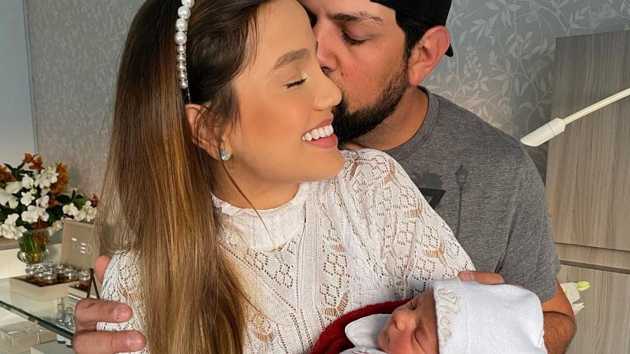 Sorocaba, a mulher, Biah Rodrigues, e o filho do casal, Theo - Reprodução/Instagram