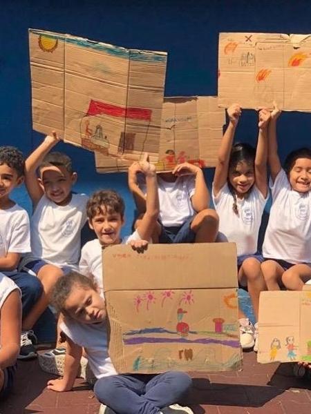 Alunos da escola comunitária Tia Maura - Divulgação