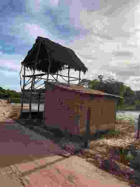 No caminho para Corumbau, é possível ver algumas casas simples e com poucos recursos - Priscila Carvalho - Priscila Carvalho