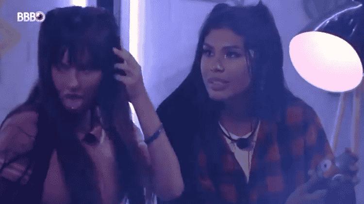 BBB 21: Thaís reclama de Juliette para Pocah durante festa - Reprodução/Globoplay - Reprodução/Globoplay