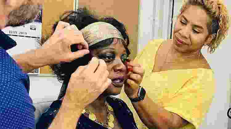 A cabeleireira Jamika Wilson e o maquiador Sergio Lopez-Rivera produzem Viola Davis - Reprodução Instagram Viola Davis - Reprodução Instagram Viola Davis