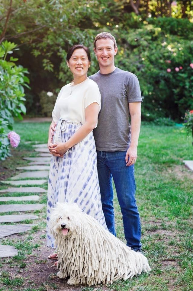 31.jul.2015 - Mark Zuckerberg posta foto com a mulher, Priscilla, para anunciar que casal espera o primeiro filho