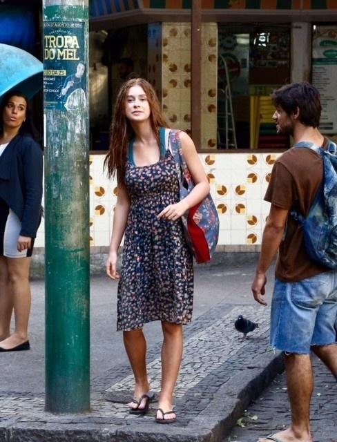 22.ago.2015- Marina Ruy Barbosa quase não foi reconhecida pelos fãs durante as gravações de ?Totalmente demais