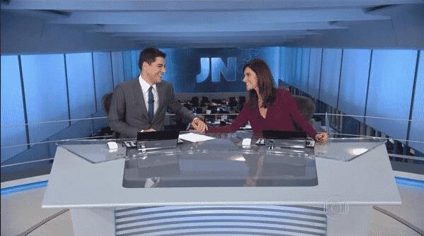 19.mar.2015 - Nas redes sociais, alguns internautas relembraram o episódio da agressão e comemoraram a estreia da repórter - Reprodução/TV Globo