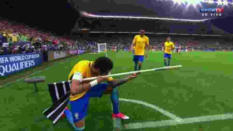 """Neymar já fez várias comemorações de gol em homenagem ao shooter """"Counter-Strike: Global Offensive"""" - Reprodução/SporTV"""