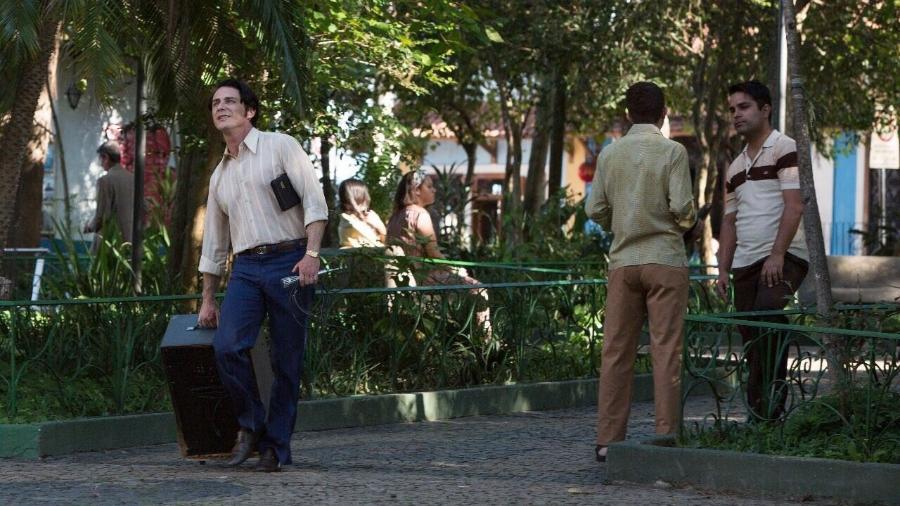 Petrônio Gontijo como Edir Macedo nas filmagens do filme que vai narrar a vida do bispo da Igreja Universal - Colaboração para a coluna/UOL
