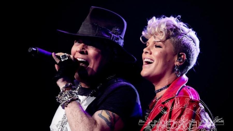 """Convidada do Guns N"""" Roses, Pink divide os vocais com Axl Rose em """"Patience"""" durante show no Madison Square Garden, em Nova York - Katarina Benzova/Divulgação"""