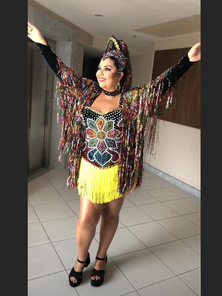 Fabiana Karla com sua fantasia para curtir o Galo da Madrugada - Reprodução/Instagram