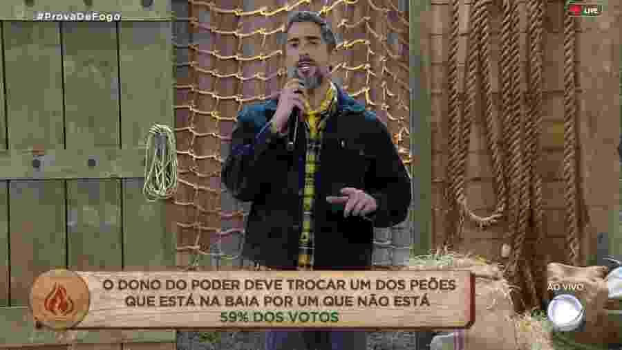 Marcos Mion anuncia resultado da chama vermelha - Reprodução/RecordTV