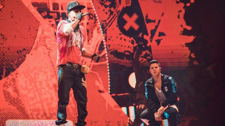 Mano Brown e MC Jottapê na abertura do mundial de Free Fire - Divulgação/Garena