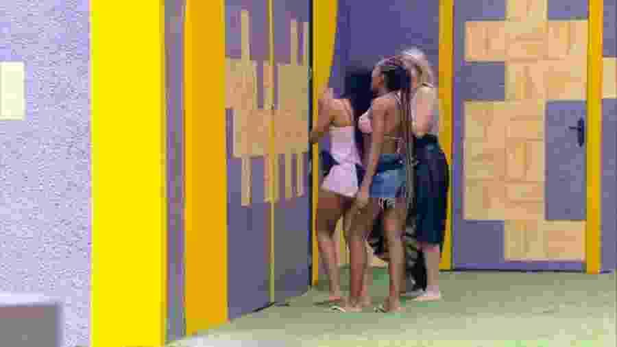 Sisters conversam pelo muro - Reprodução/Globoplay