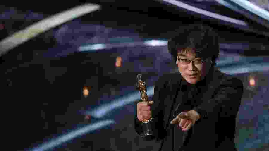 "Diretor Bong Joon Ho recebe o Oscar de melhor filme internacional por ""Parasita"" - REUTERS/Mario Anzuoni"