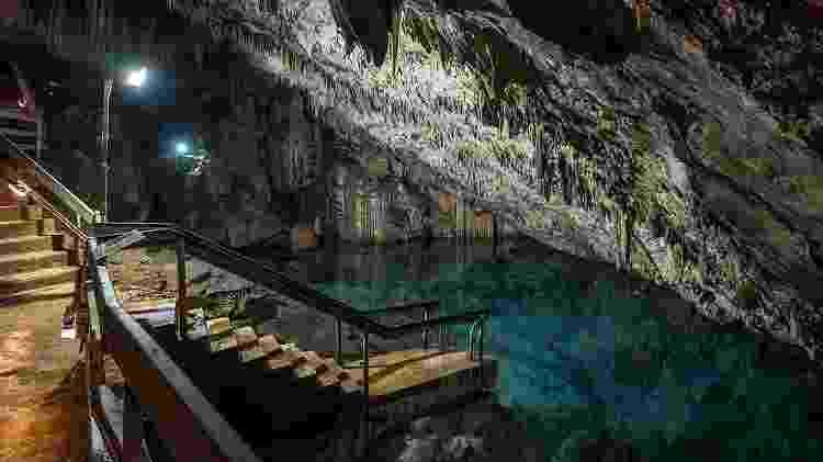Piscina natural no Grotto Bay Beach Resort, nas Bermudas - Divulgação
