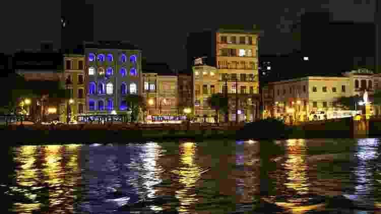 Passeio noturno de barco pelas pontes e centro histórico do Recife - Eduardo Vessoni