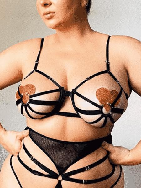 Letticia Munniz usa look com tapa-mamilos de coração para o Carnaval - Reprodução