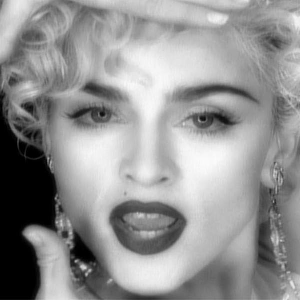 """Madonna no clipe de """"Vogue"""" que completa 30 anos em 2020"""