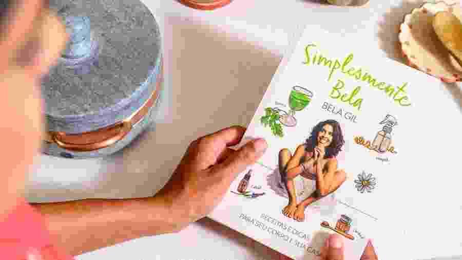 """Bela Gil e seu novo livro """"Simplesmente Bela"""" - Divulgação"""