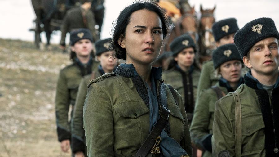 Alina (Jessie Mei Li), protagonista de Sombra e Ossos, da Netflix - Reprodução/Netflix