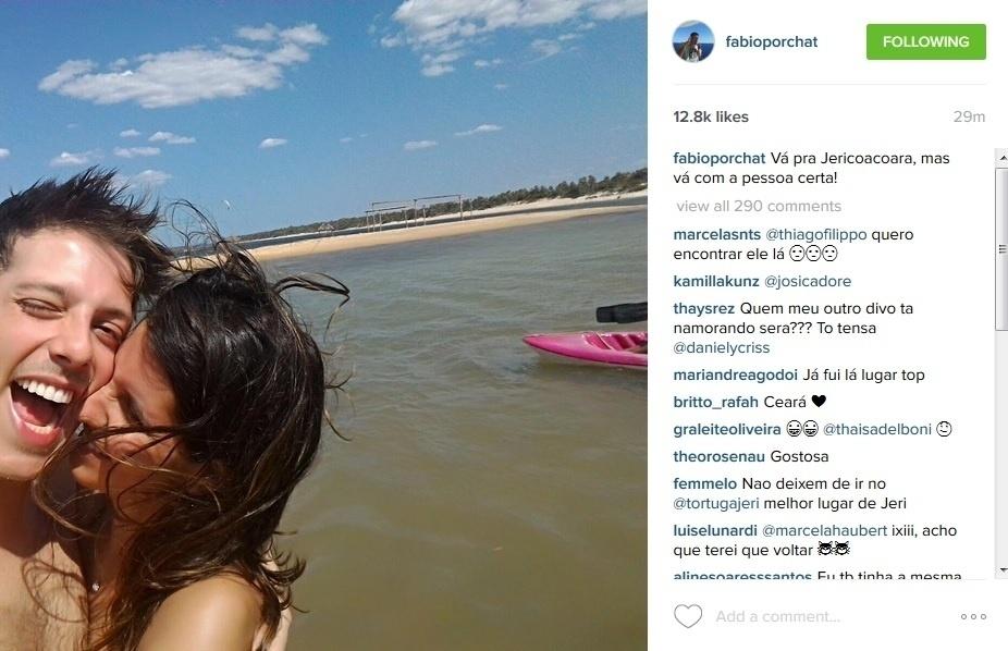 13.ago.2015 - Fabio Porchat posta foto de momento carinhoso em viagem de férias.