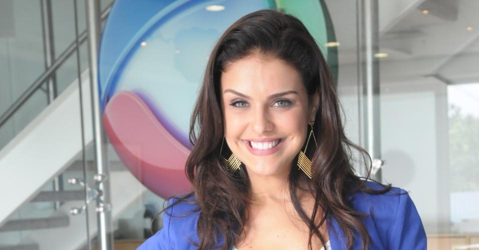 Paloma Bernardi fecha com a Record para próxima novela bíblica