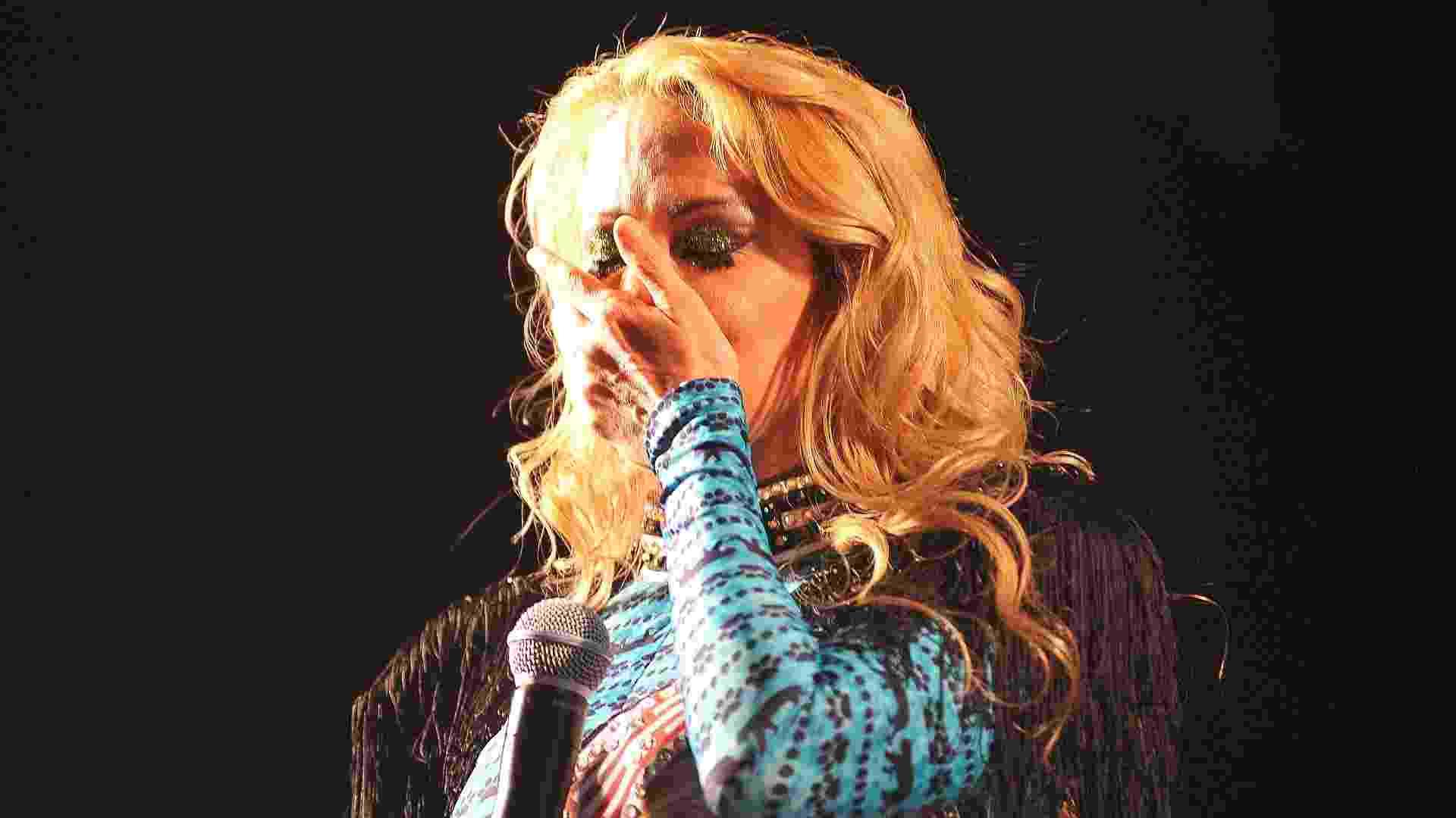 13.mai.2016 - Joelma se emociona com o carinho do público durante show em São Paulo - Reinaldo Canato/ UOL