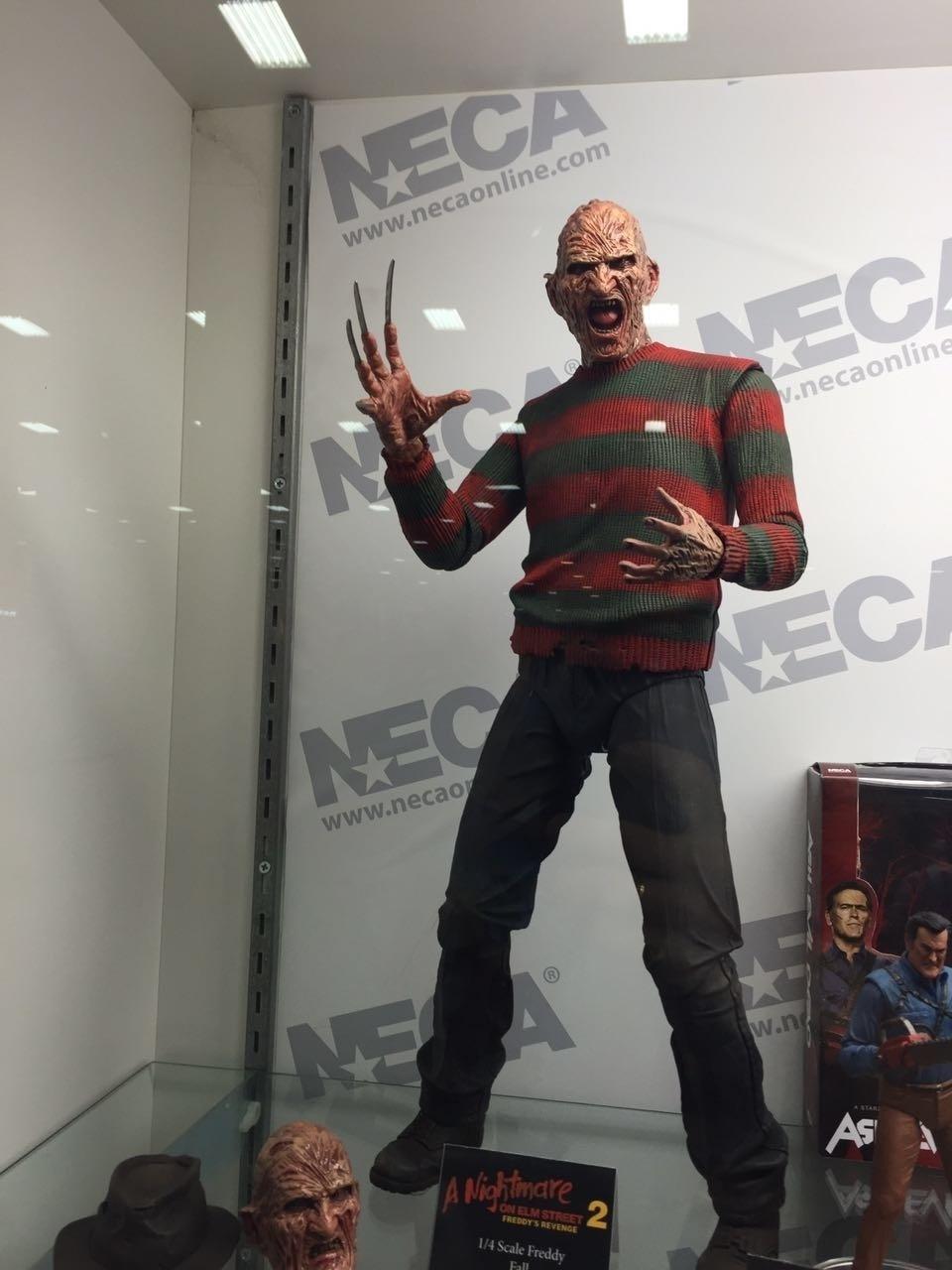 Freddy Krueger vai infestar os sonhos dos fãs que não puderam comprar um action figure desses que estava em exibição na Comic-Con