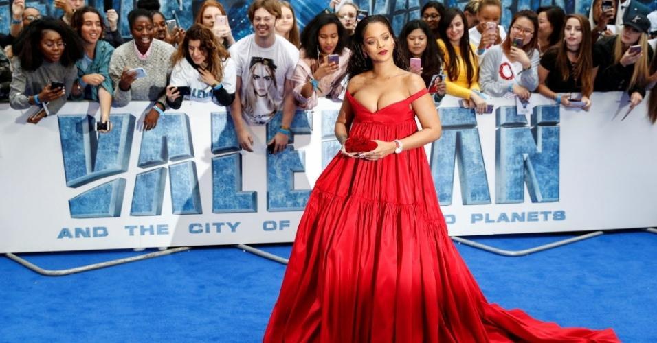 """Rihanna participa do lançamento europeu do filme """"Valerian e a Cidade dos Mil Planetas"""""""
