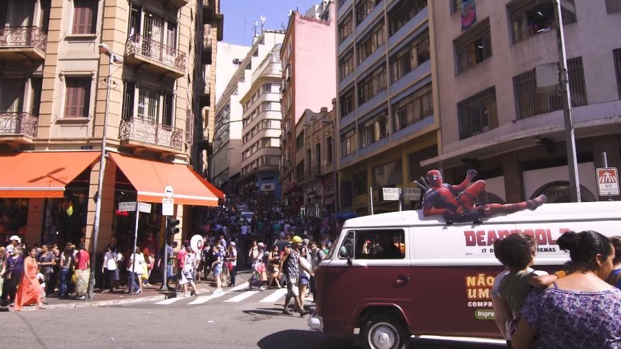 """Carro da pamonha divulga filme """"Deadpool 2"""" em São Paulo - Reprodução/YouTube"""