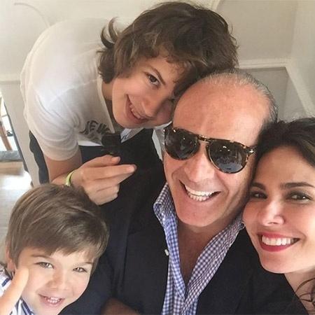 Luciana Gimenez ao lado de Marcelo de Carvalho e dos filhos, Lucas e Lorenzo - Reprodução/Instagram