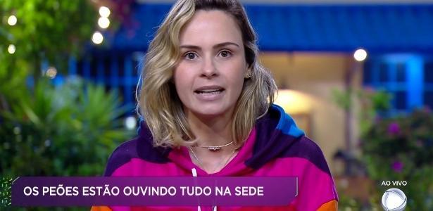 Ana Paula Renault conversa com o apresentador Marcos Mion