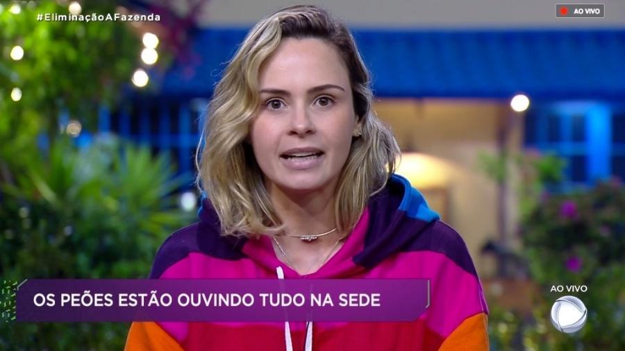 Ana Paula Renault conversa com o apresentador Marcos Mion - Reprodução/RecordTV