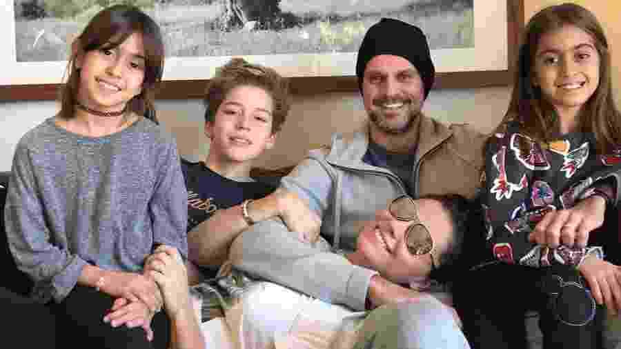 Giovanna Antonelli com os filhos e o marido - Reprodução/Instagram