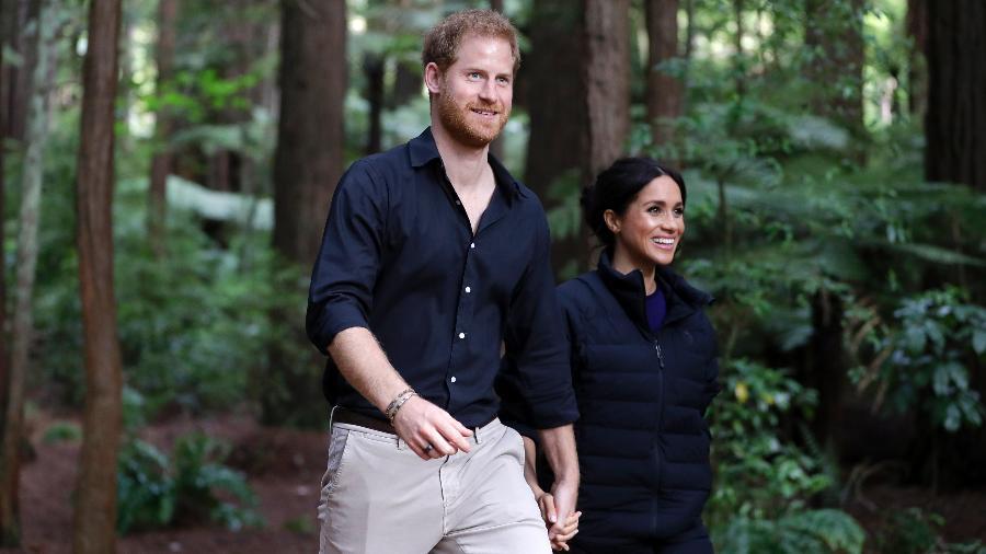 Harry e Meghan Markle passeiam pelo Redwoods Tree Walk  - Getty Images