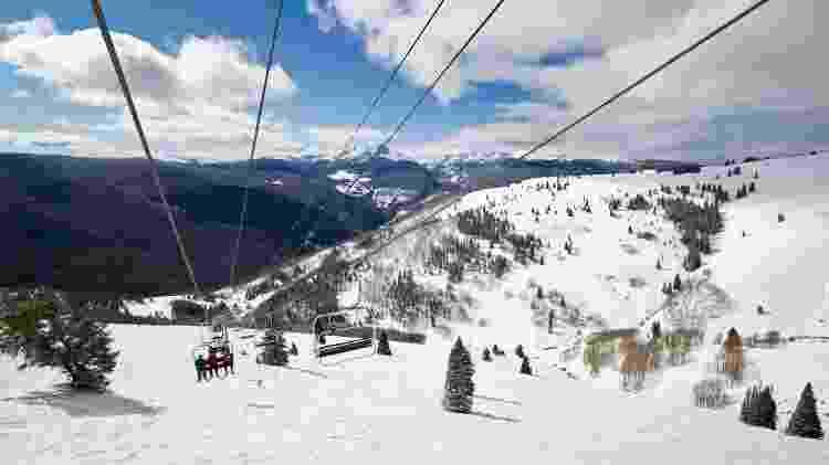 Teleférico em estação de esqui em Vail, Colorado - Getty Images/iStockphoto - Getty Images/iStockphoto