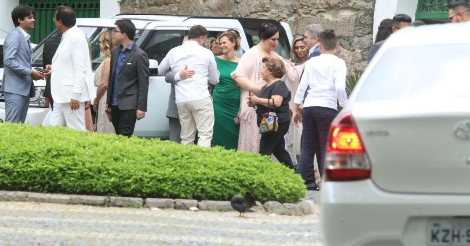 Atriz Fernanda Rodrigues foi acompanhada do marido Raoni Carneiro